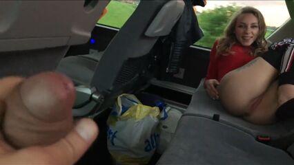 Если она хочет минет, то ей всё равно даже если это в автобусе.