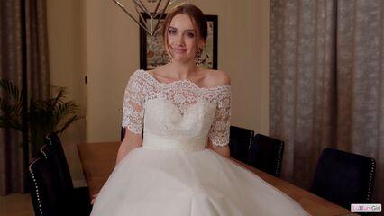 Замутил с невестой сбежавшей со свадьбы.